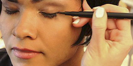 tips for applying makeup at Bella Reina Spa
