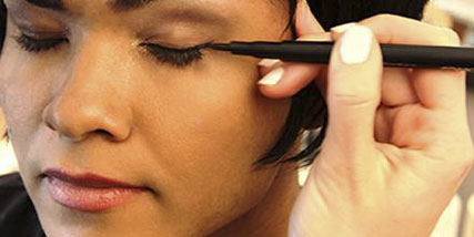 hypoallergenic liquid eyeliner at Bella Reina Spa